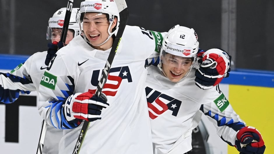 Canada gets dumped by U.S. for 2nd straight loss at world hockey championship | CBC Sports